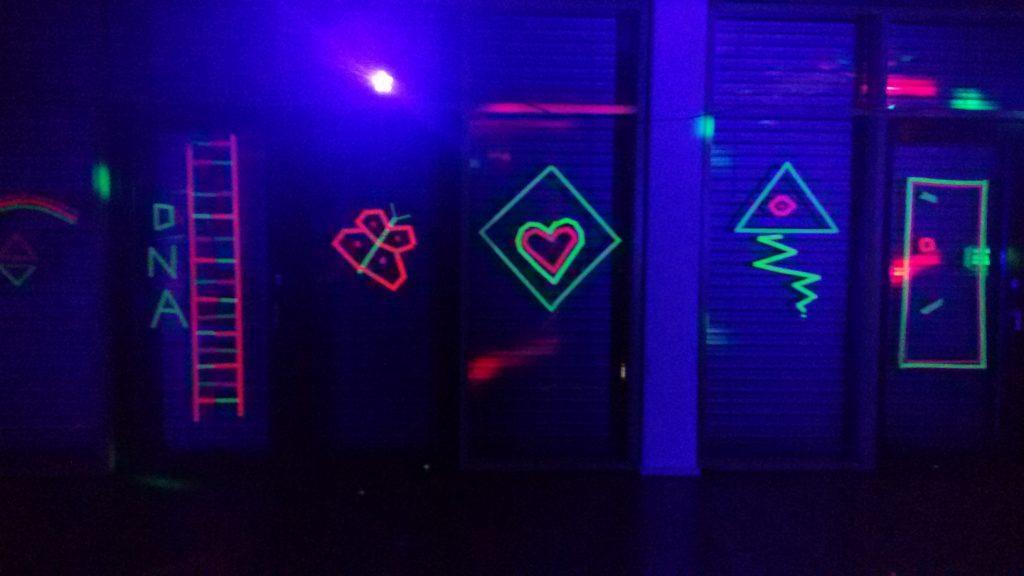Fluoreszierende Deko